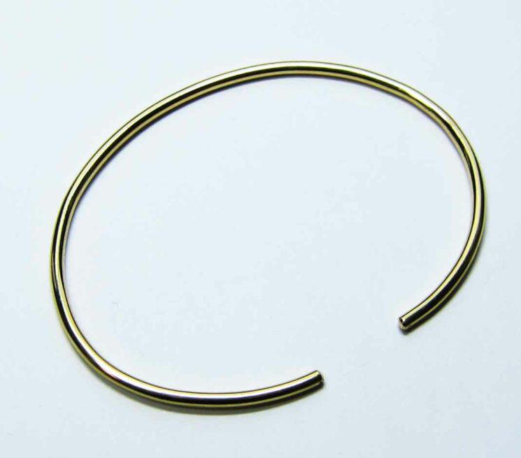 Nach Gewicht: Goldreif, oval, 2mm stark, Gelbgold 750, Größe M