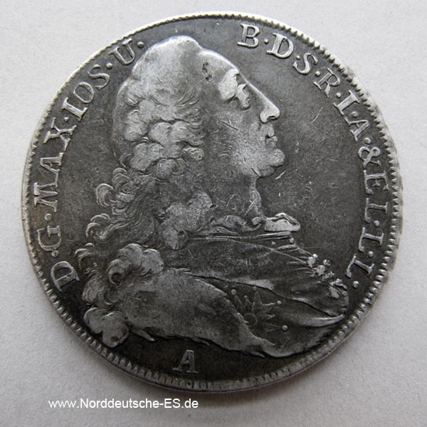 Der Bayerntaler König Maximilian 1772 stammt aus der Altdeutschen Zeit. In den Jahren 1772 bis 1795 wurde Polen von Russland, Preußen und Österreich nach und nach unter sich aufgeteilt, so dass es Polen als eigenständigen Staat nicht mehr gab. Diese über 200 Jahre alte Silbermünze war offizielles Zahlungsmittel.