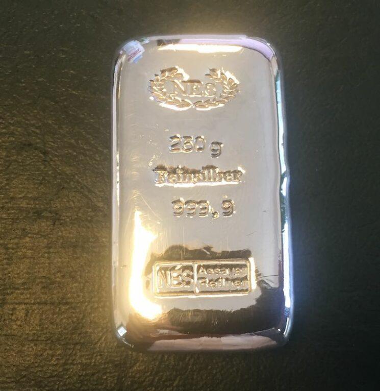 250g Silberbarren 999,9 NES Sargform gegossen